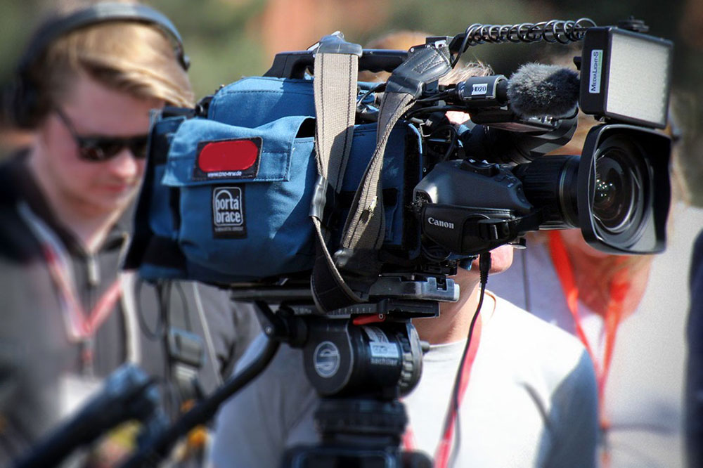 How to Effectively Pitch Media to Support Your Racing Sponsorship